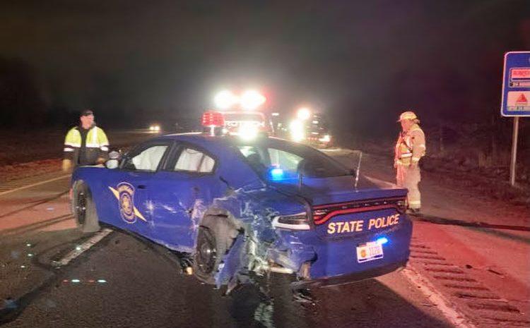 Тесла на автопилоте въезжает в патрульную машину Мичиганского полицейского