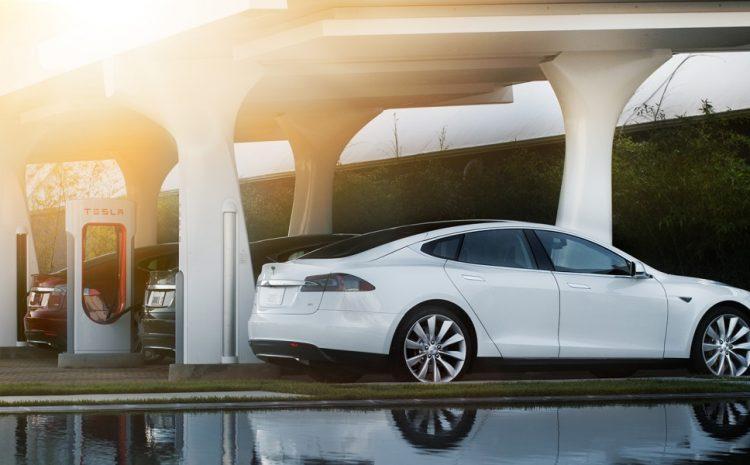 Владельцы Tesla в Калифорнии могут получить 50% скидку на плату за Supercharger, если они взимают плату за ночь