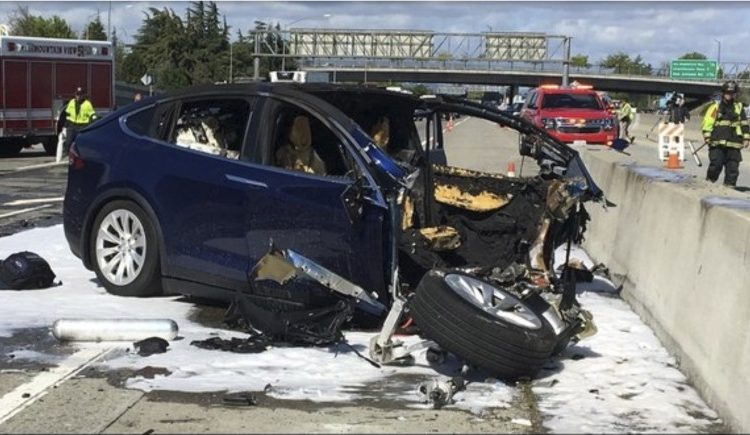 Пришло время обратить внимание на число жертв автопилота Tesla