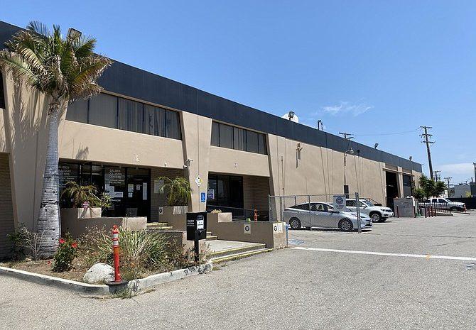 Tesla подписывает 5-летний договор аренды в Санта-Монике