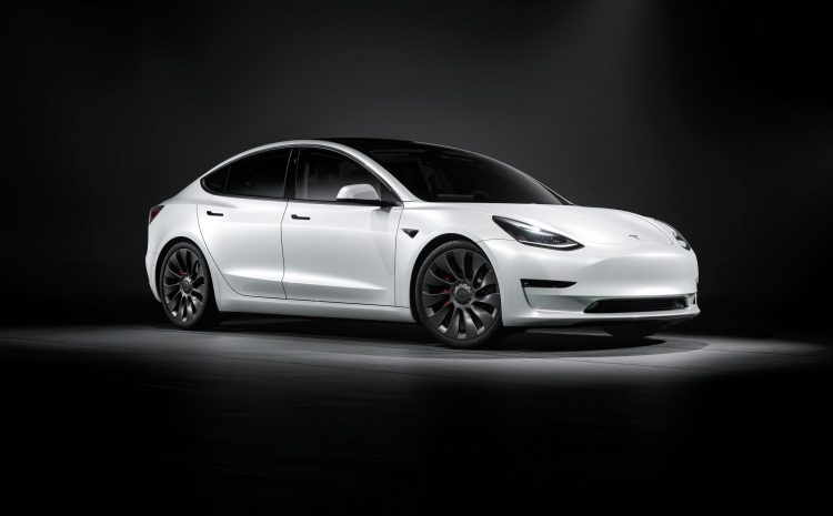 Полная подписка на автопилот Tesla скоро появится