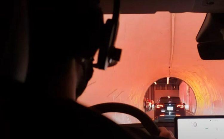 Посмотрите, как Boring Company Илона Маска тестирует свою туннельную систему Tesla в Лас-Вегасе с представителями общественности