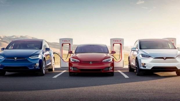 Tesla открывает первую в Китае зарядную станцию с хранилищами энергии