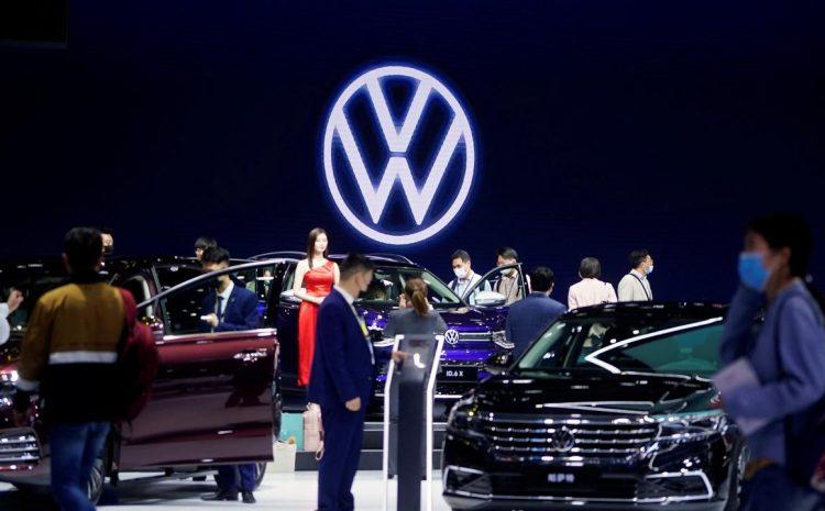Гонка Volkswagen и Tesla в Китае сбивает с толку