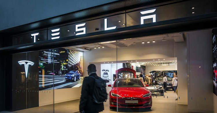 Tesla откроет первый израильский магазин в ближайшие месяцы