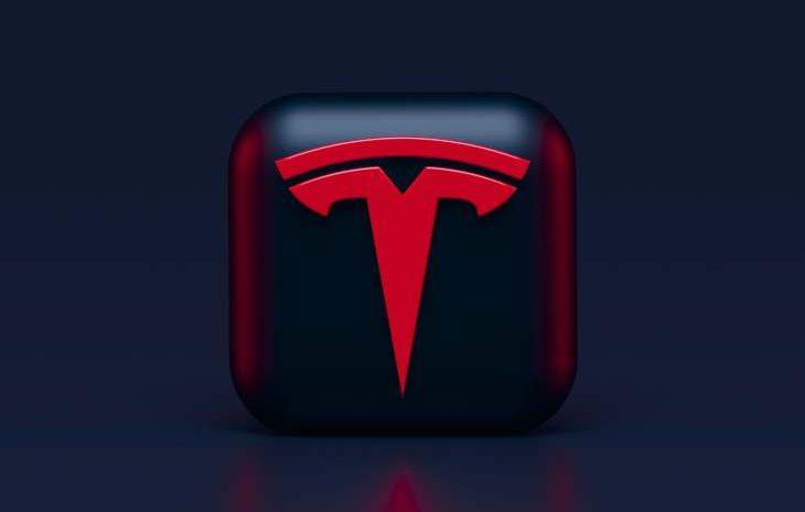 Tesla выигрывает первое, второе и третье место в гонке Car & Driver «EV 1000».